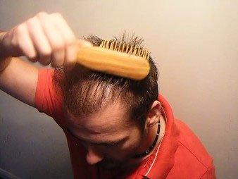 Applying Mane Hair Thickening Spray Step 2